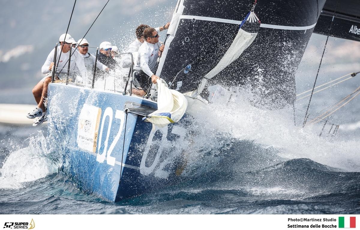 AZZURRA BRILLA NELLE ACQUE DI CASA - NEWS - Yacht Club Costa Smeralda