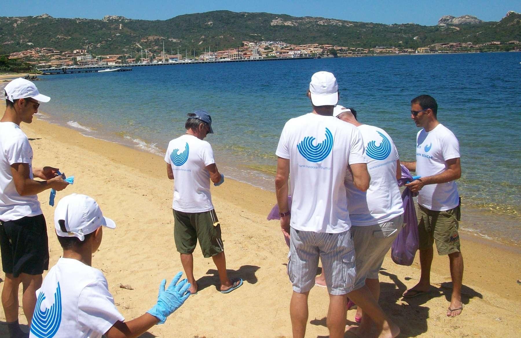 YCCS CLEAN BEACH DAY : Giornata dedicata alla pulizia delle spiagge - NEWS - Yacht Club Costa Smeralda