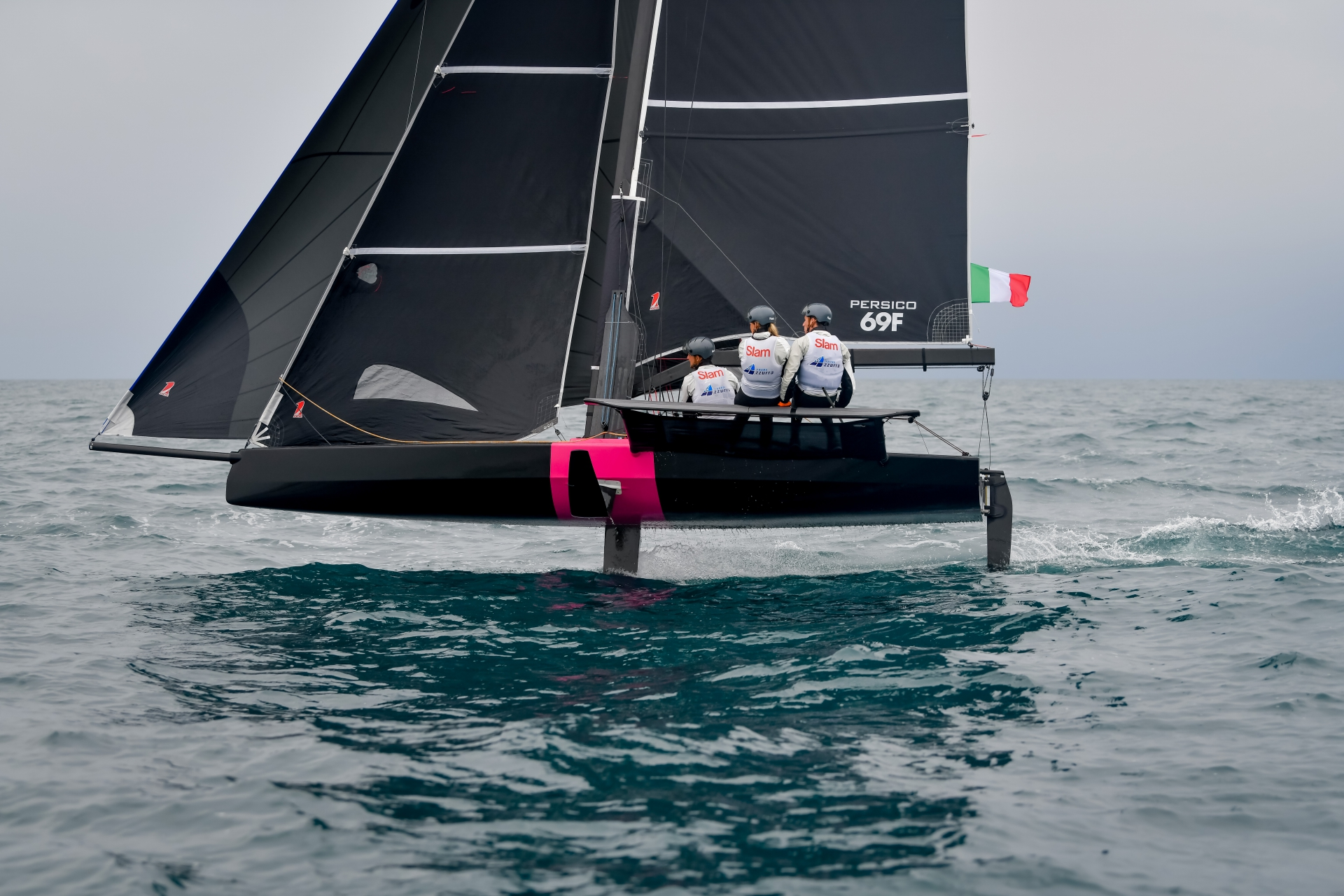 Young Azzurra si qualifica per la finale della Youth Foiling Gold Cup - MEMBER NEWS - Yacht Club Costa Smeralda