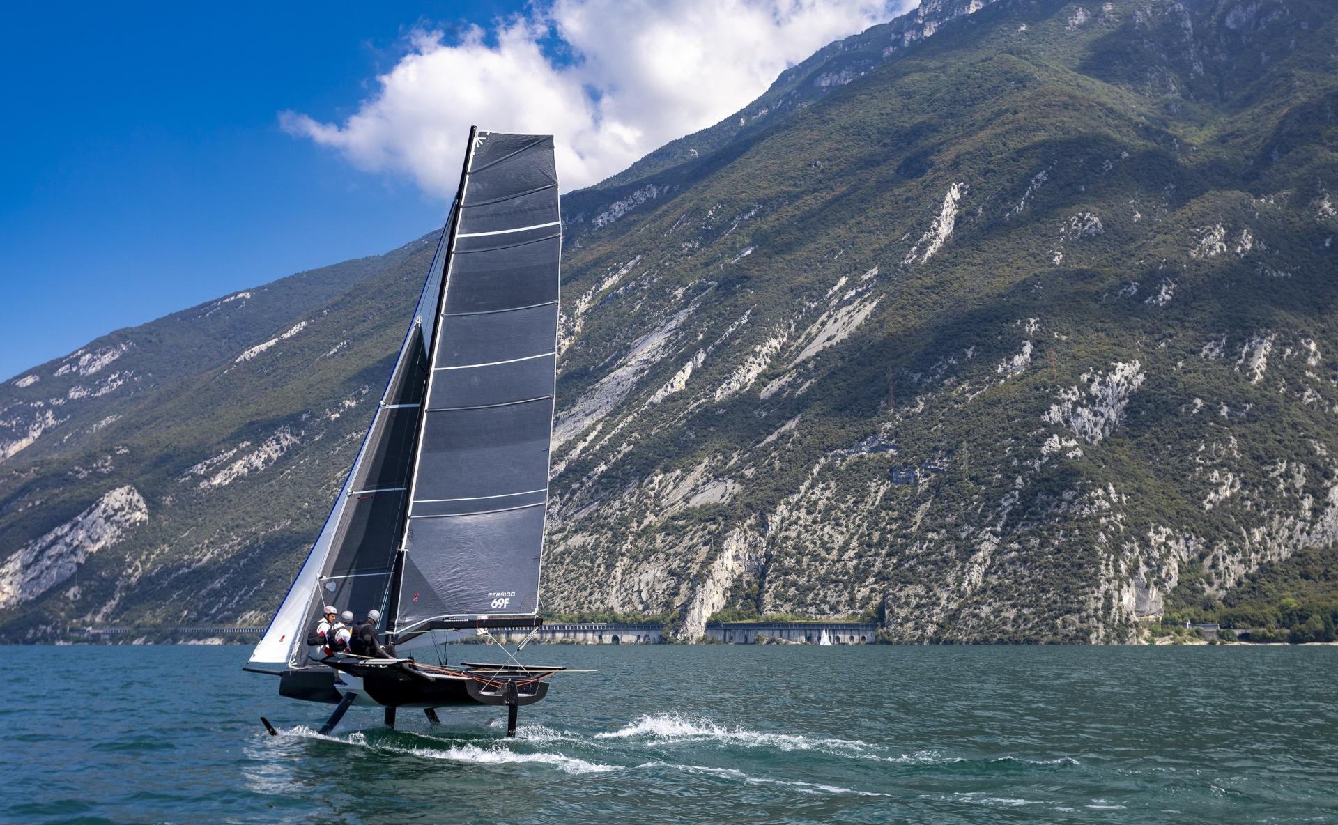 Young Azzurra subito al comando del Persico 69F Grand Prix 2.2 - NEWS - Yacht Club Costa Smeralda